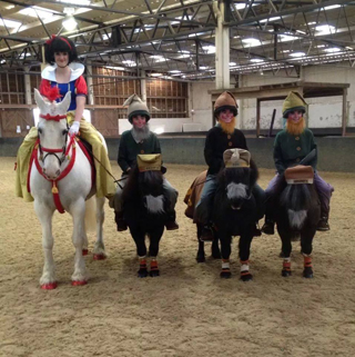 Quadrille photo - Holly Lynch,Beth Rees, Lucy O'Toole (3)